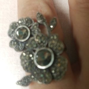 GUC. Womens Flower Fossil Ring. Size 7